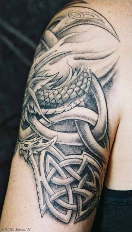 pin na ruku tattos tattoo old english compass rose dragon tribal on pinterest. Black Bedroom Furniture Sets. Home Design Ideas